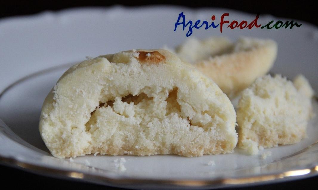 http://azerifood.com/images/7/shekerchorek11.jpg-for-web.jpg